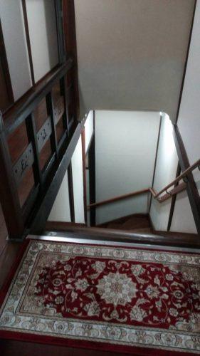 3日目宿(古いから階段が急)